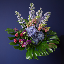 Load image into Gallery viewer, Elegant Bouquet - Lavish
