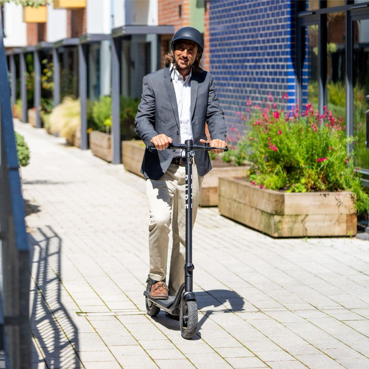 Black Pure Air Electric Scooter With Puncture Prevention Fluid