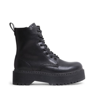 STEVE MADDEN LACE UP BOOT