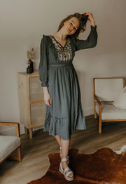 JENNA EMBROIDERED MIDI DRESS - SLATE
