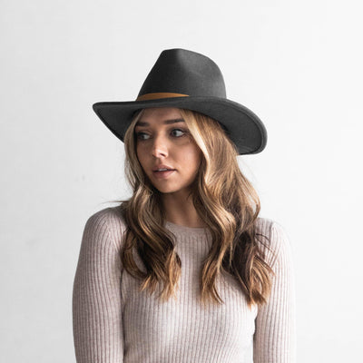 GIGI PIP LEO HAT - DARK GREY