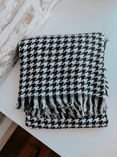 Scarf Houndstooth Pattern