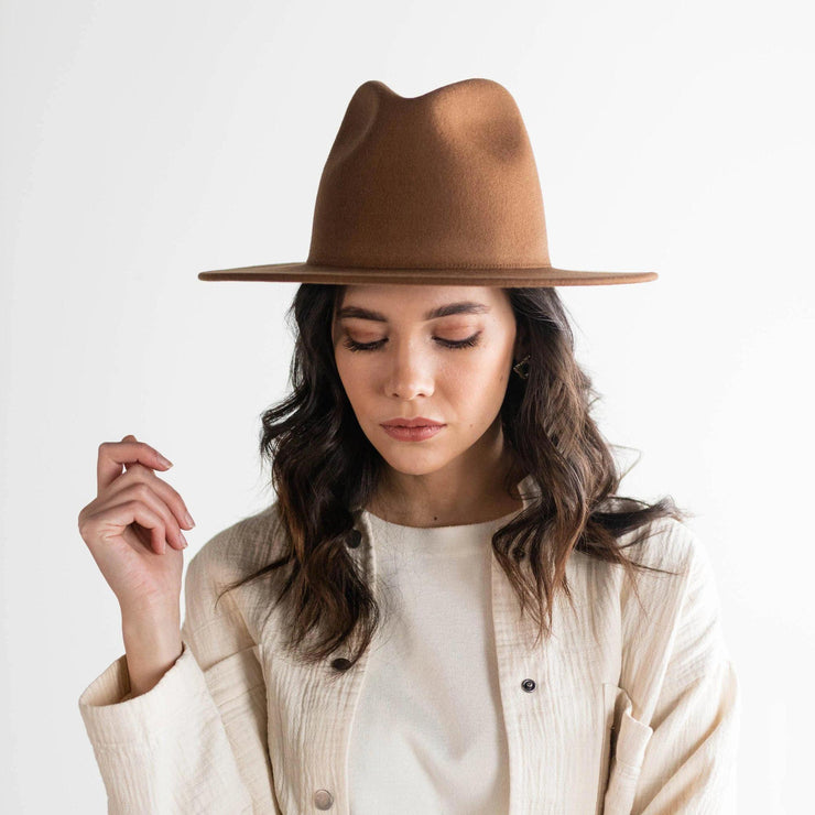 GIGI PIP WES HAT - BROWN