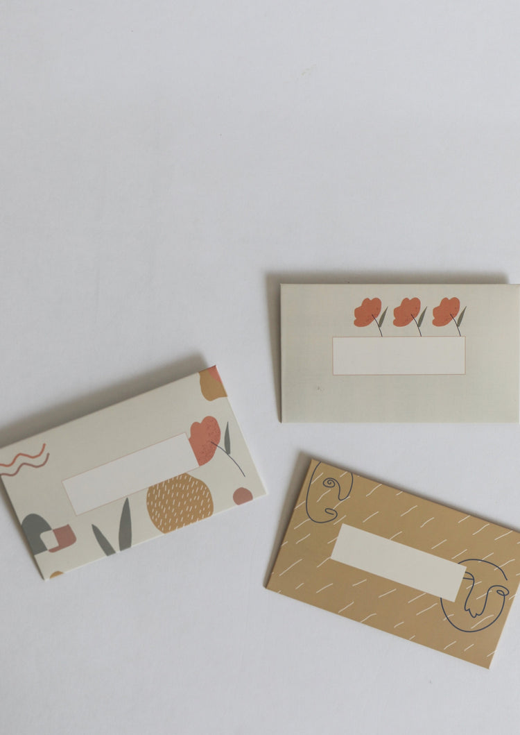 Abstract | Set of envelopes