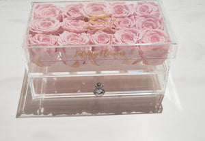 infinity roses in luxury plexi glass box, eternity roses that last years, infinity flowers, preserved roses Cyprus, real roses that last years, eternity roses in a luxury box, Ecuadorian roses in acrylic box