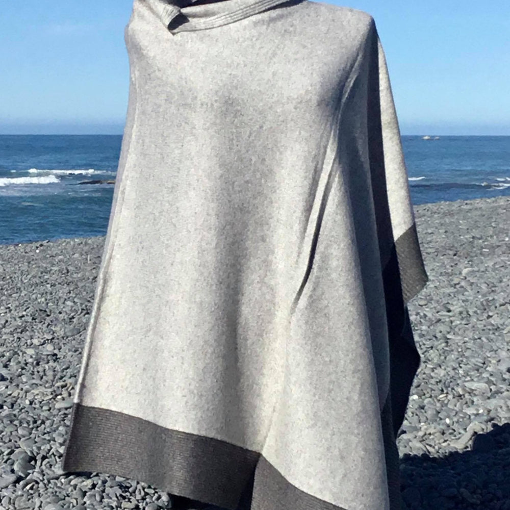 Load image into Gallery viewer, Cashmere Two Tone Poncho