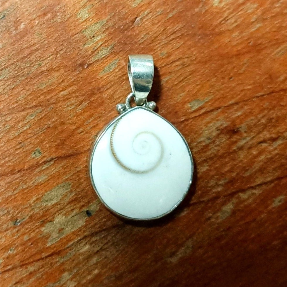Cat's Eye Pear Pendant