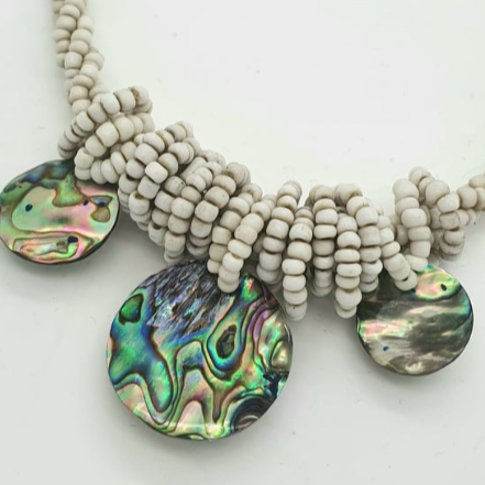 Load image into Gallery viewer, Paua Shell Necklace
