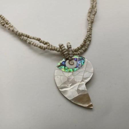 Load image into Gallery viewer, Teardrop Shell Necklace