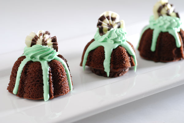 St. Patrick's Day Desserts from Poppie's Dough, Wholesale Chicago Bakery