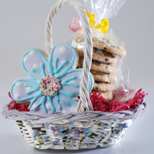 Load image into Gallery viewer, Spring Flower Cookie Basket (8 Pieces)
