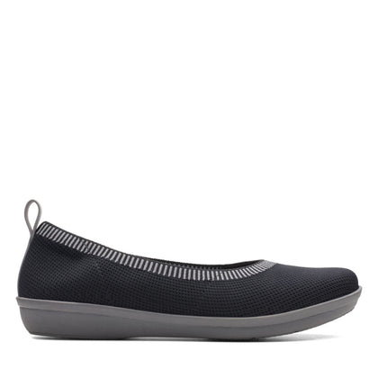 Clarks Cloudstepper Ayla Paige Black Knit With Grey Bottom