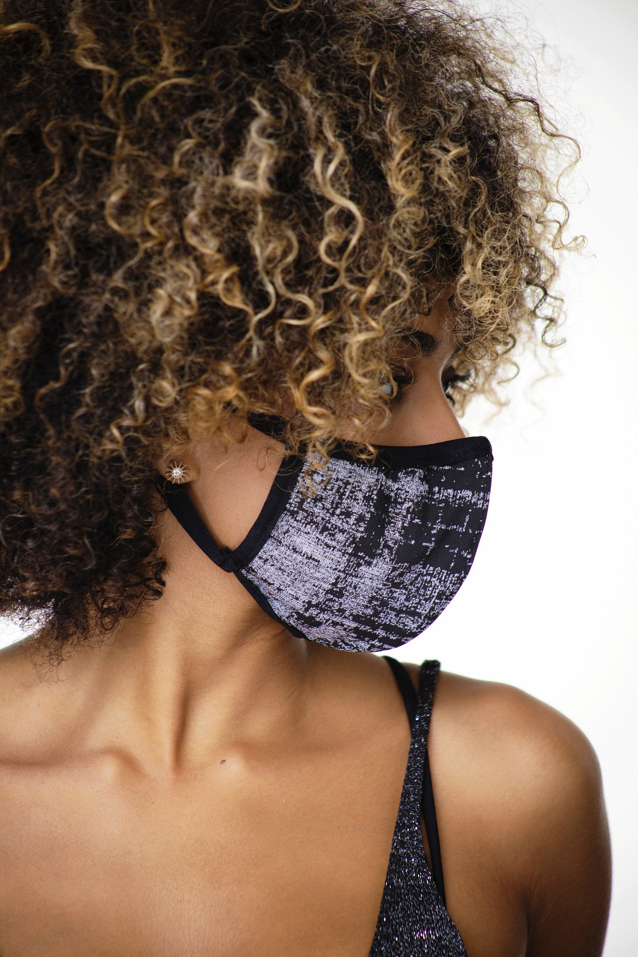 Load image into Gallery viewer, KNIT FACE MASK GRY PLAID