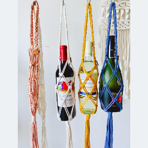 Handmade Macrame Wine Tote / Wine Gift Bag / Wine Accessories / Wine Gift for Her / Boho Wine Gift