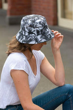 Load image into Gallery viewer, women's reversible palm tree bucket hat