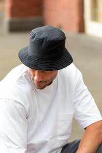 men's black reversible bucket hat