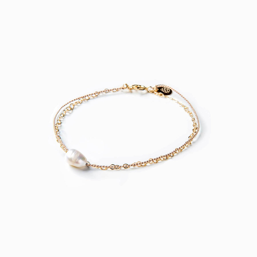 Gold and Silk Bracelet | White Pearl
