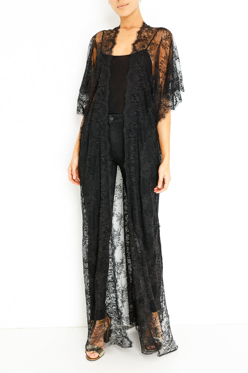 LACE DUSTER