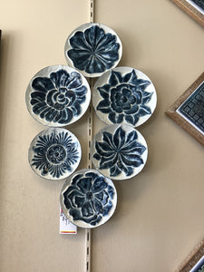 Ganz Wall Decor flowers on plates 158677