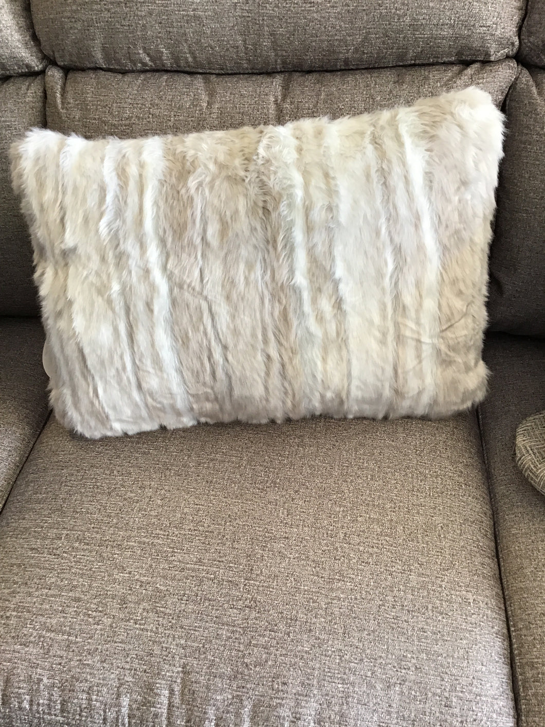 AMORET PILLOW by Ashley Furniture