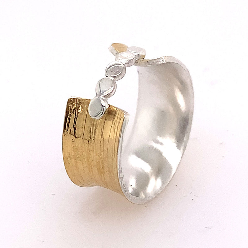 22K Bi-Metal overlapping Bead Ring R551