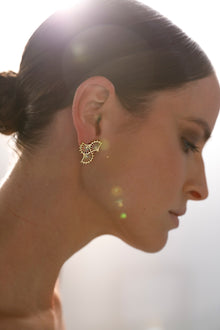 METROPOLITAN FANS Gold earrings