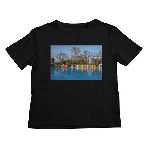 TOOTING BEC LIDO WITH TREES Kids T-Shirt - Amy Adams Photography