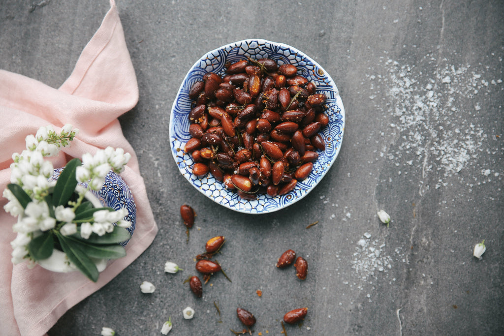 TOASTED ALMONDS WITH PAPRIKA, ROSEMARY AND OLIVE OIL