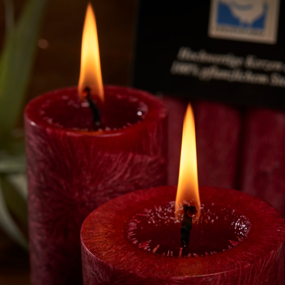 Natural, non toxic candles burn with a calm, bright flame, smoke free and free from toxins