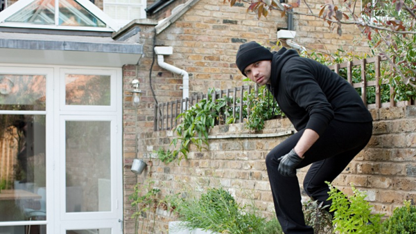 What To Do During a Home Invasion - Home Security Tips