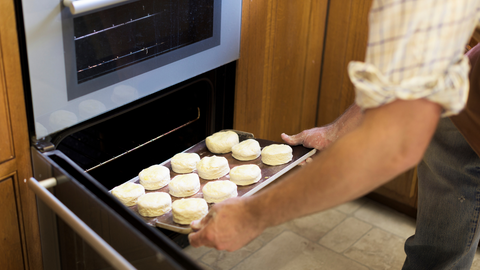 Oven Safety in December - December Safety Tips