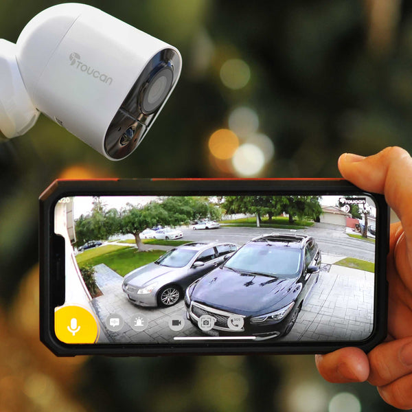 Outdoor wifi camera viewing street from smart phone