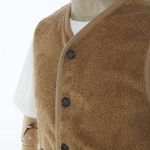 Load image into Gallery viewer, Universal Works Lancaster Gilet Mountain Fleece - Sand