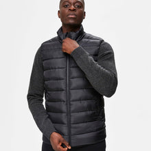 Load image into Gallery viewer, Selected Homme Change Puffer Vest - Black