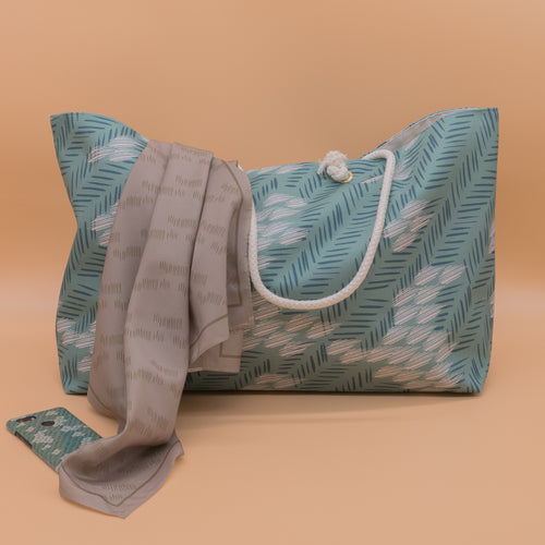 Large tote bag in seafoam green abstract pattern
