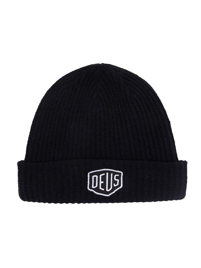 deus ex machina shield beanie black