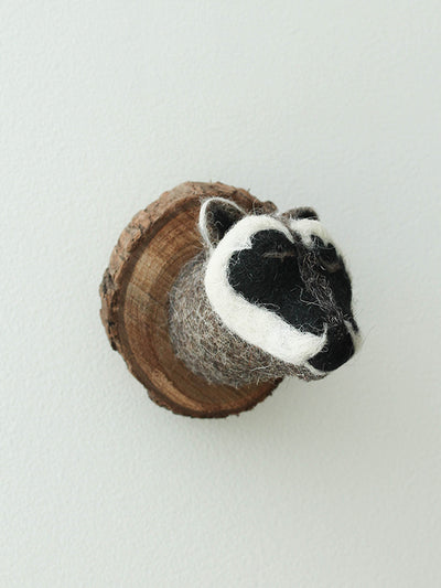 Felted mount
