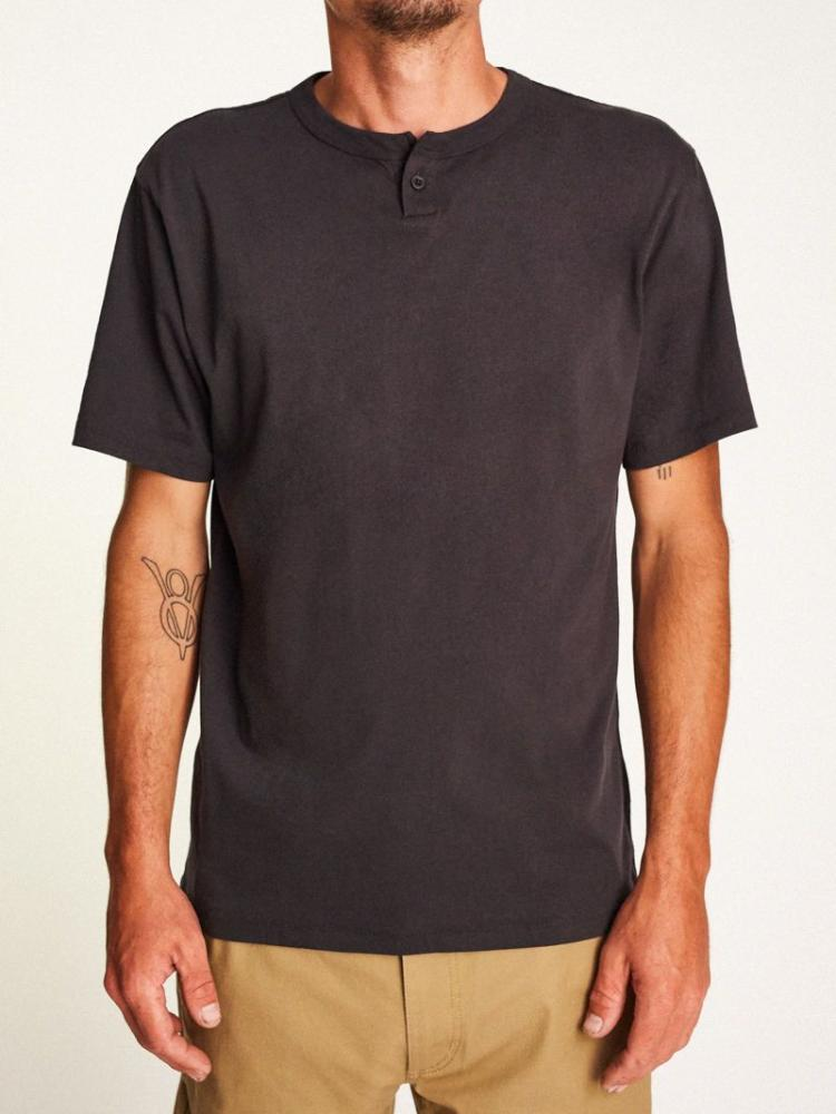 brixton basic s/s henley washed black short-sleeve men's top