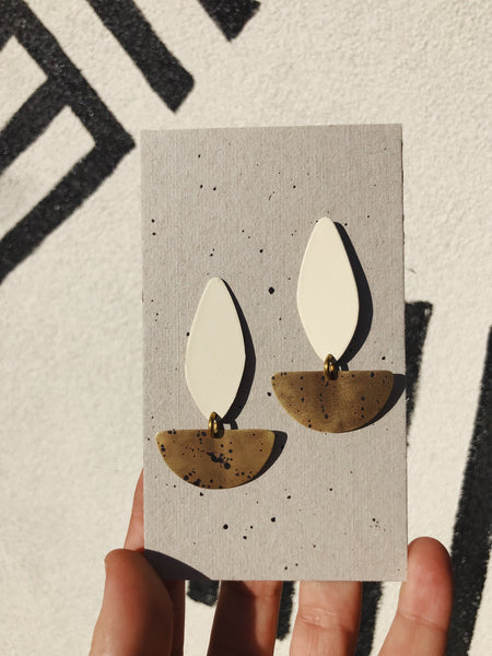 Small Spreading Tail Earrings: Cream