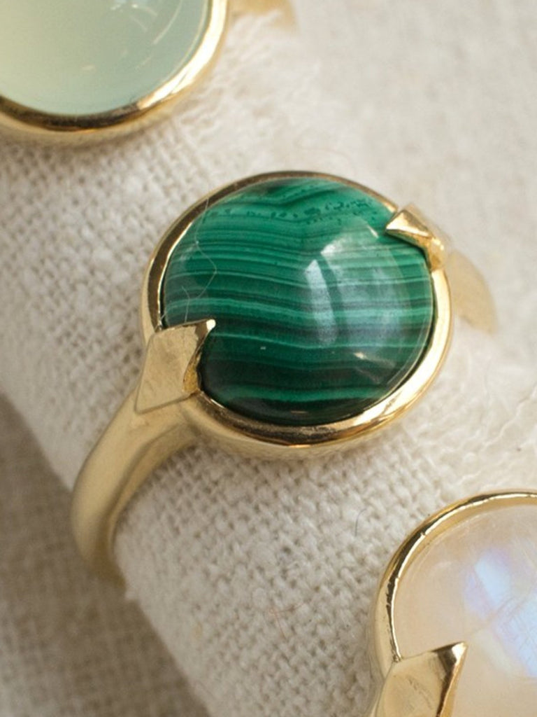 merewif bubble ring malachite gold plate