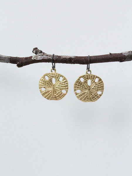 Lover Earrings: Sand Dollar