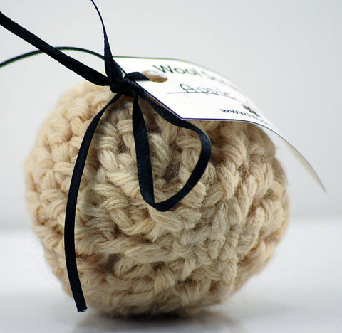 Apple Cider Wool Soap Scrubby in White