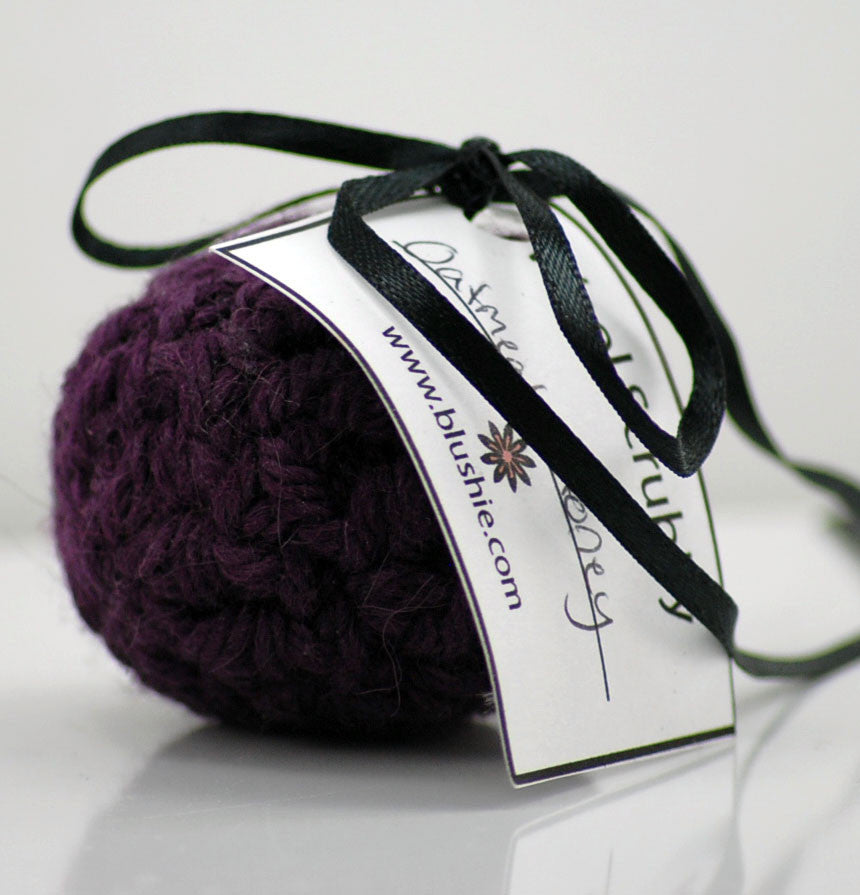 Oatmeal & Honey Wool Soap Scrubby in Purple (Small)
