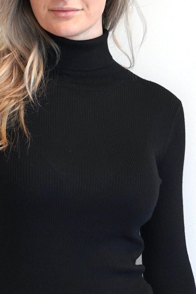 Musthave Cashmere Turtleneck-Tops-Atelier Jungles-S/M-Atelier Jungles