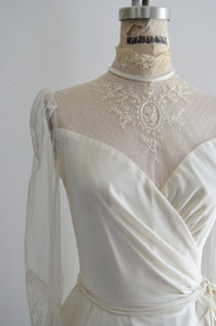 1950S Sweetheart Lace Tulle Wedding Ruffled Waist Gown Off White High Neck Dress Sheer Long Sleeve