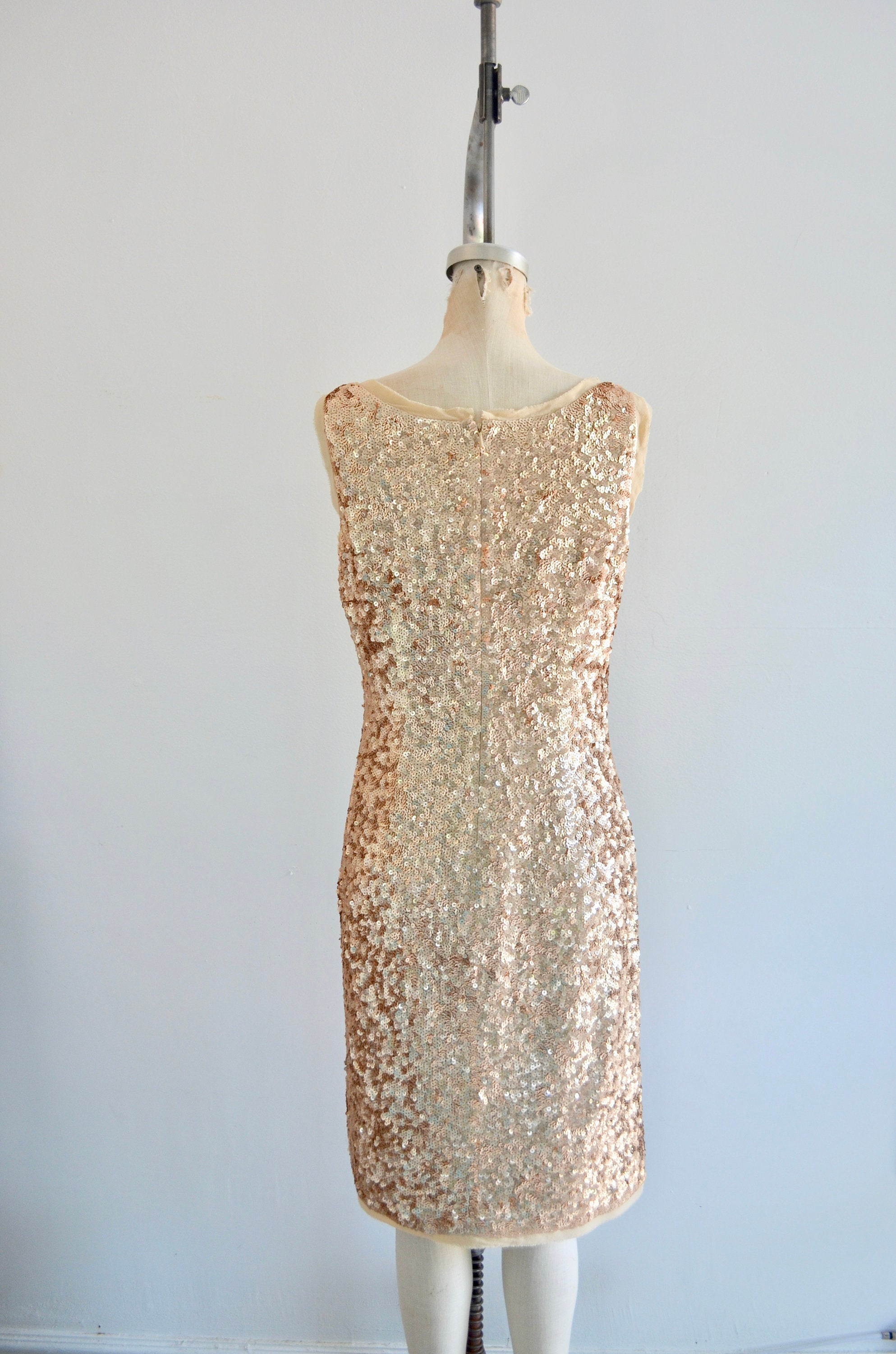 Saturday Night Gold Silk Sequined Beaded Party Made Of Honor Wedding Cocktail Sleeveless Crepe Dress