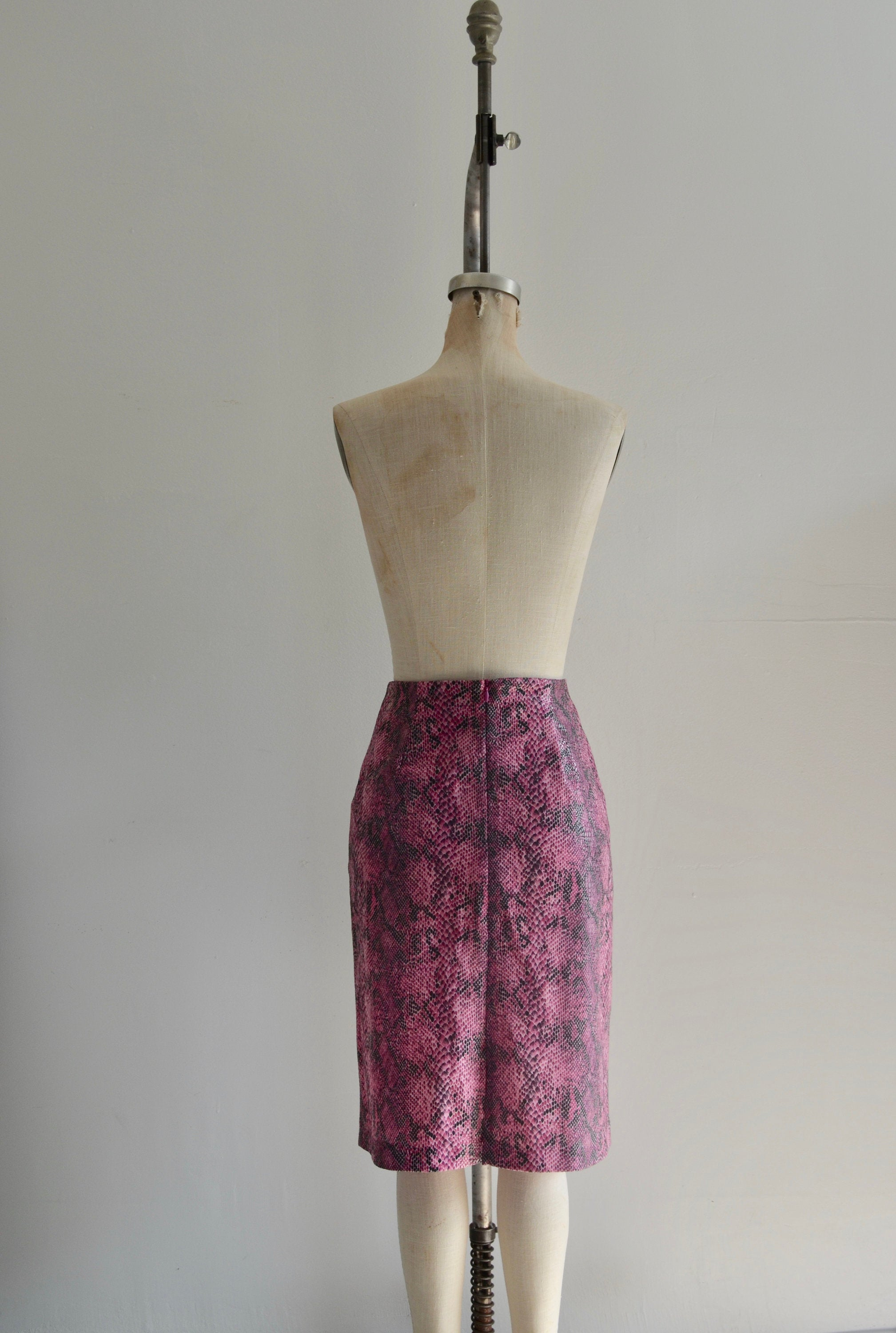 80S Neon Pink Snake Print Faux Suede Midi Skirt Fashion Style Spring