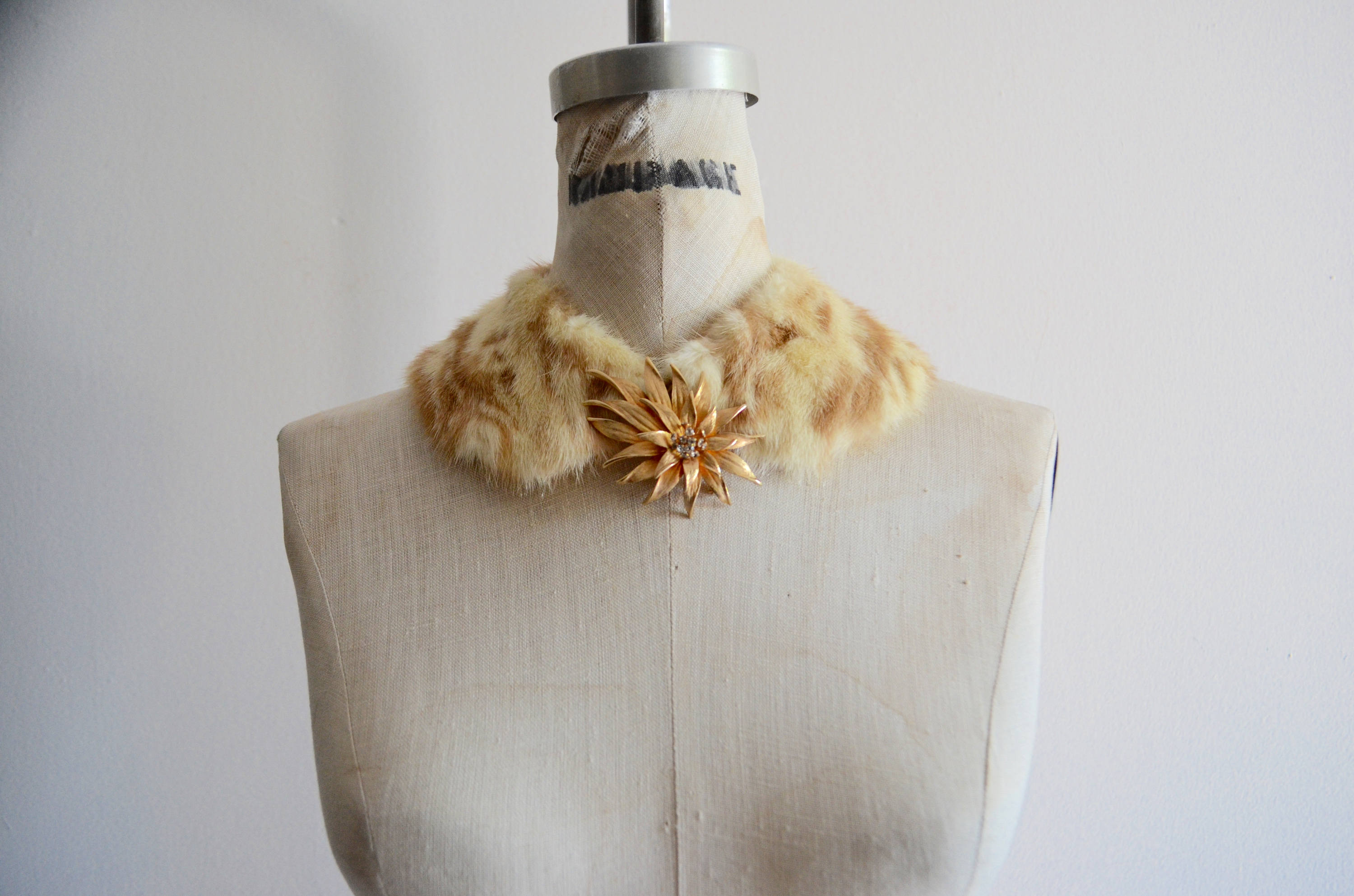 Blonde Mink Fur Collar Beautiful Rich Scarf Fashion Style