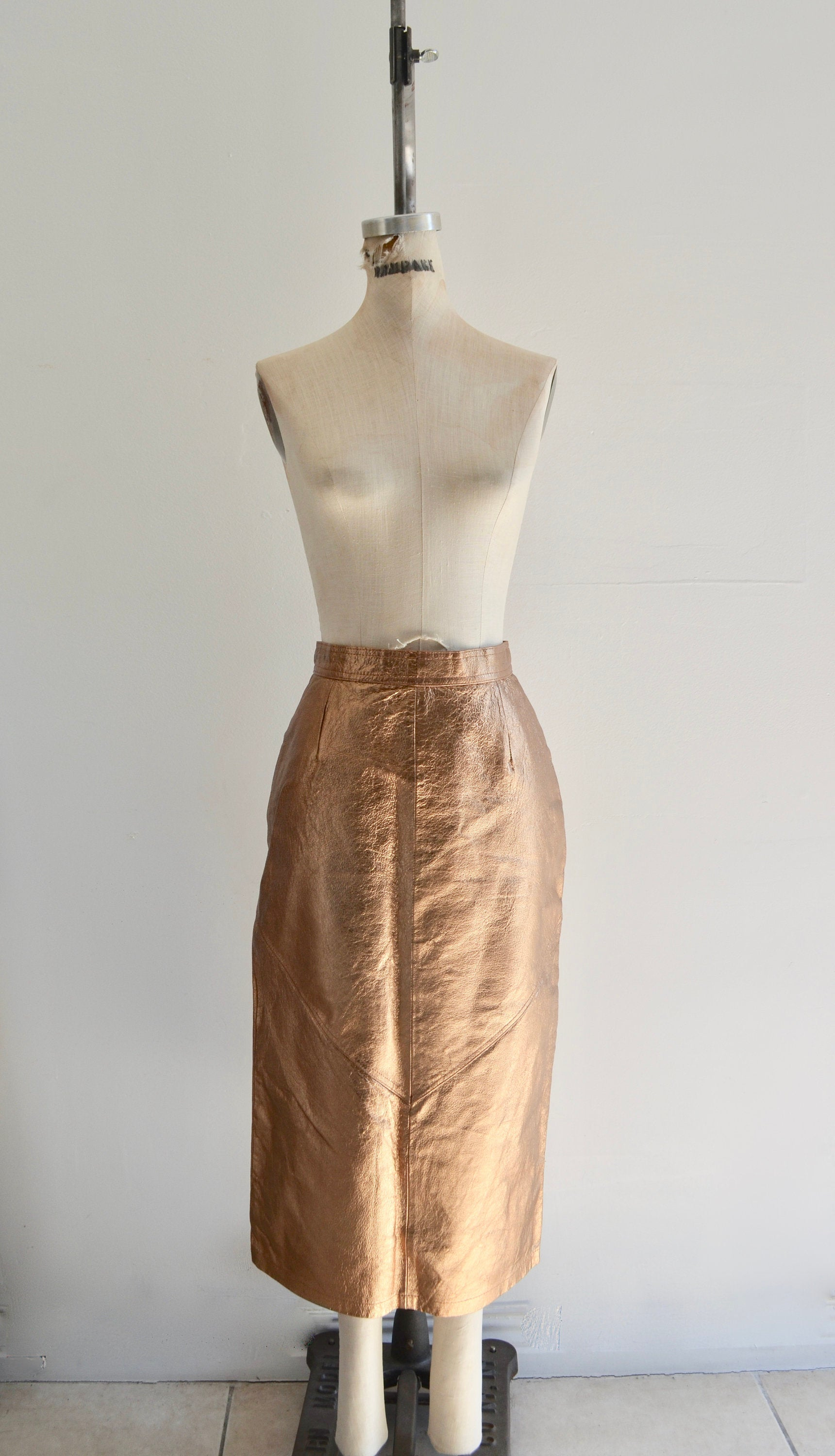 1980S Pia Rucci Gold Crackled Leather Pencil Long Skirt Lined Straight Knee Length
