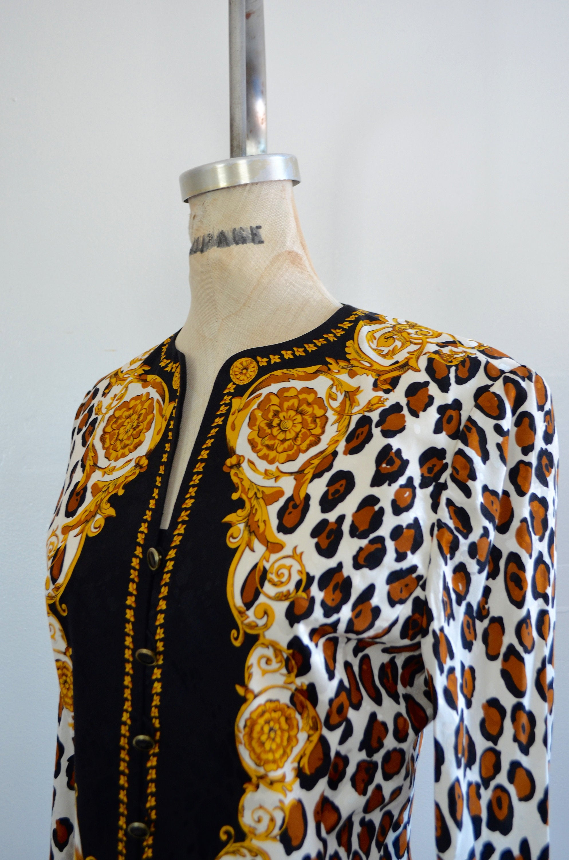 Silk Black Leopard Animal Print Designer Print Inspired V Top Jacket Adrianna Papell Size 4